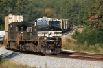 NS 220 Glides through the S curve at Lithia Springs, Ga 